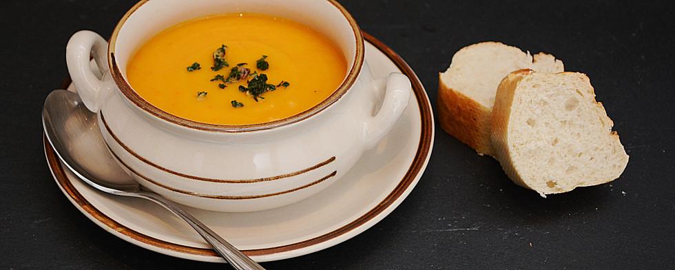 Kürbis-Karotten-Suppe mit Ingwer lesen