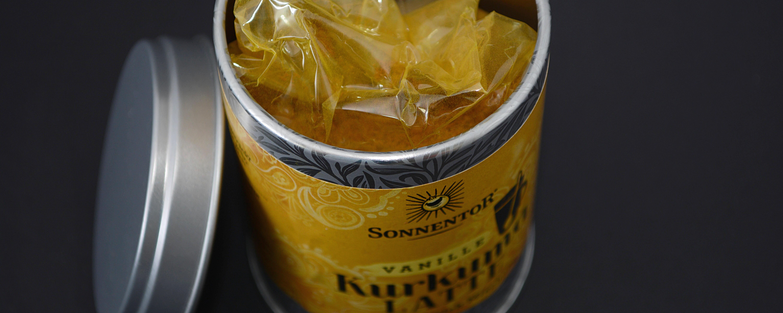 Wie Curry-Pulver sieht die Mischung aus.