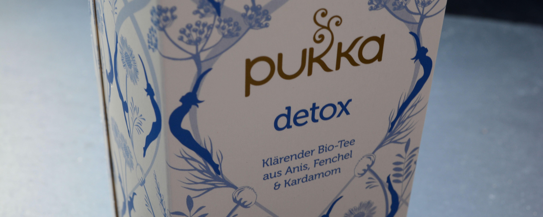 Mit diesem Detox-Tee könnt ihr beschwingt durchstarten.
