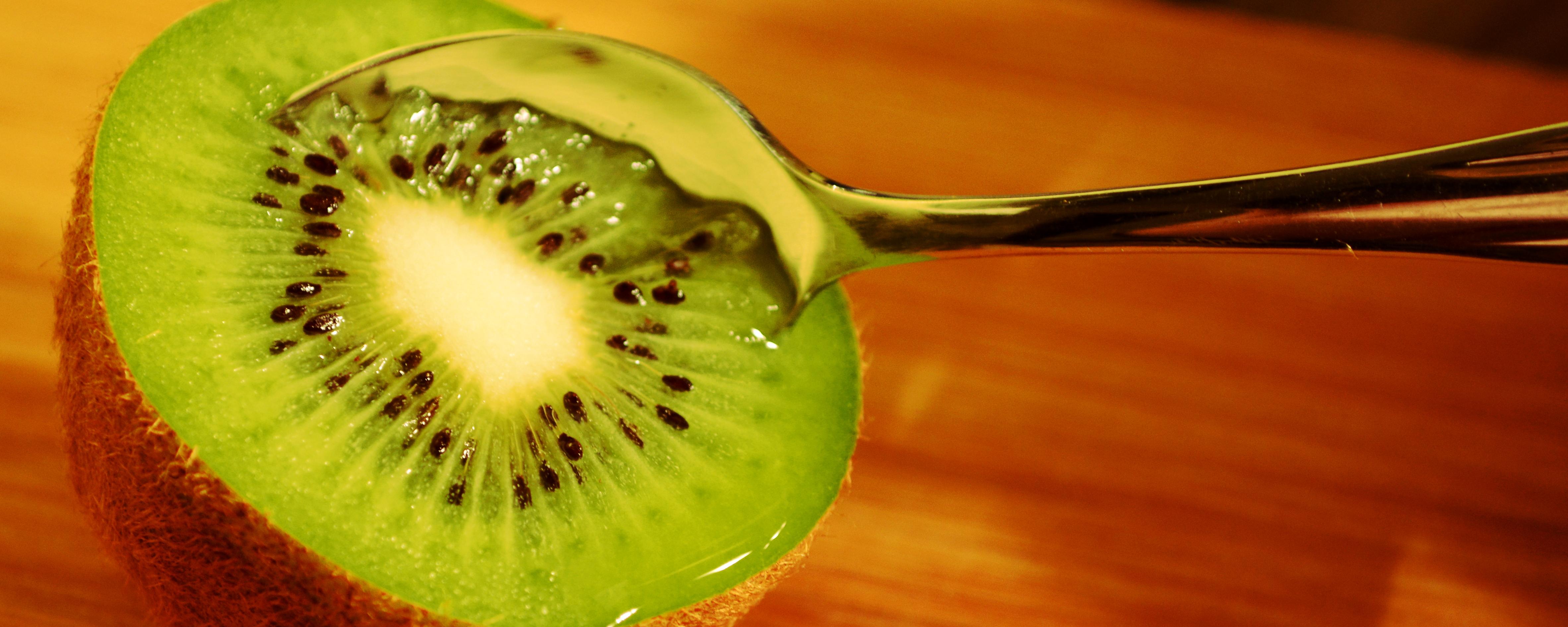 Am besten lässt sich die Kiwi mit einem Löffel essen.